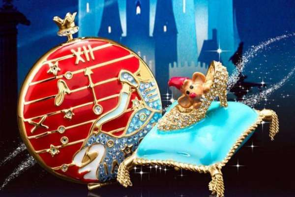 Estee Lauder launches a magical holiday collection