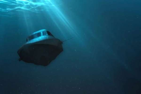 This luxury boat transforms in a submarine in a blink of an eye