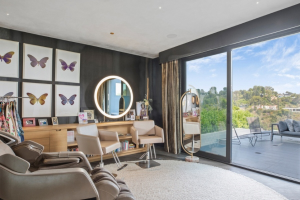 Chrissy Teigen and John Legend are selling their villa