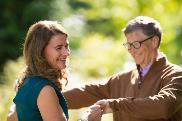 It's official: Bill and Melinda Gates are divorced