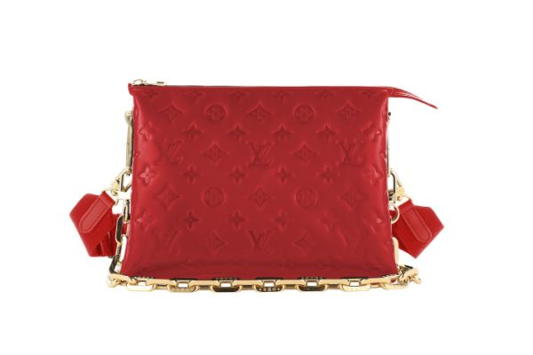 Perfect spring accessory - Louis Vuitton Coussin bag