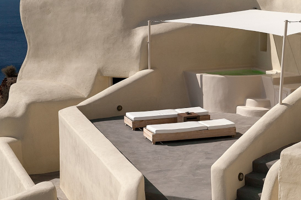 Mystique - perfect hotel for a Greek vacation