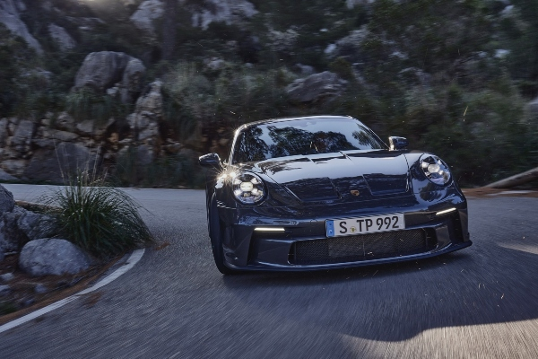 Porsche presents Touring variant of their 911 GT3 line