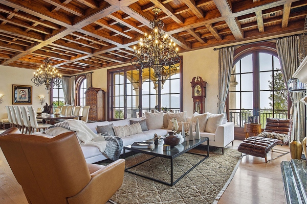 Magnificent Italian-style villa with a private golf course