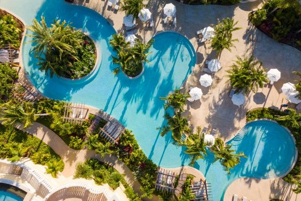 Luxury hotel in the Bahamas invites us to travel care-free