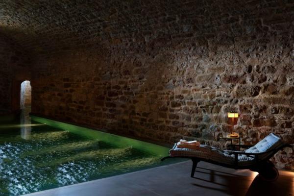 Discover traditional Italian luxury in the Hotel Castelo di Reschio