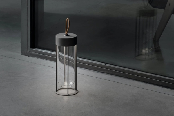 In Vitro Unplugged - a lamp of timeless beauty and elegance